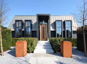 Villa in Reeuwijk